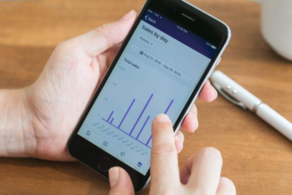 tracking-sale-on-mobile.jpg