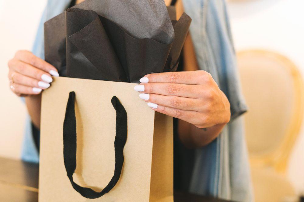 shopping-gift-wrap.jpg